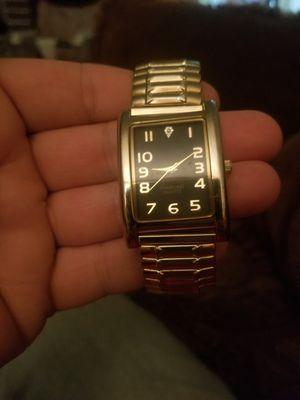 Photo Woman's Gold Tone Diamond Quartz Watch