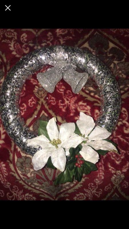 Small Christmas wreaths