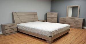 QUEEN BEDROOM SET for Sale in Hialeah, FL