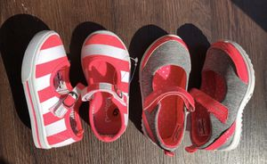 Photo Brand New OshKosh baby/toddler/girls shoes, 6us