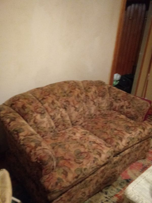 Nice And Clean Sofa Cheap For Sale In Lakewood Wa Offerup