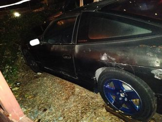 A Nissan 240Z manual transmission straight body just needs a battery and gas make me an offer Thumbnail