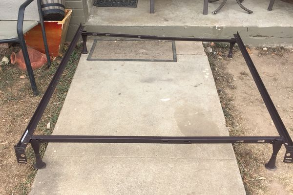 Metal bed frames for Sale in Austin, TX - OfferUp