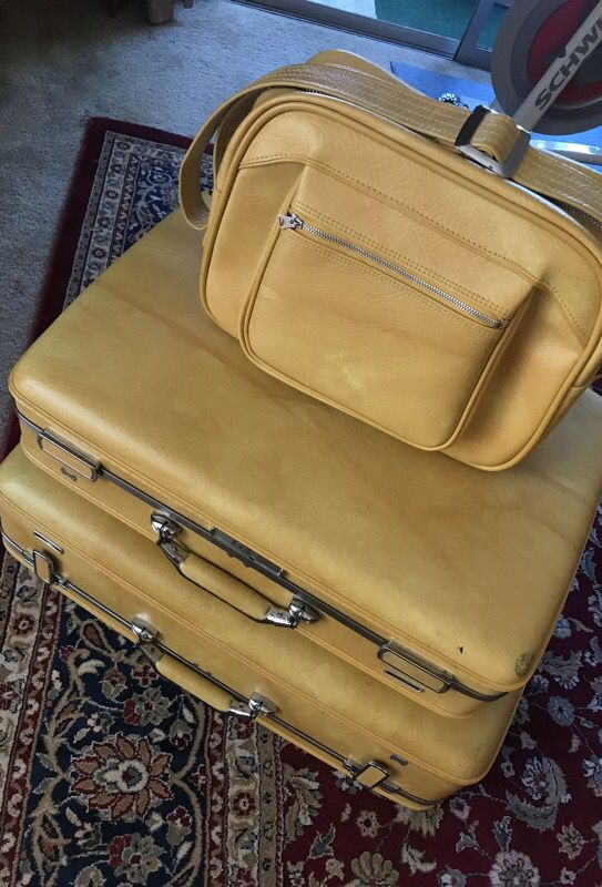 141d9012c Vintage American Tourister luggage set , hard Shell for Sale in Los ...
