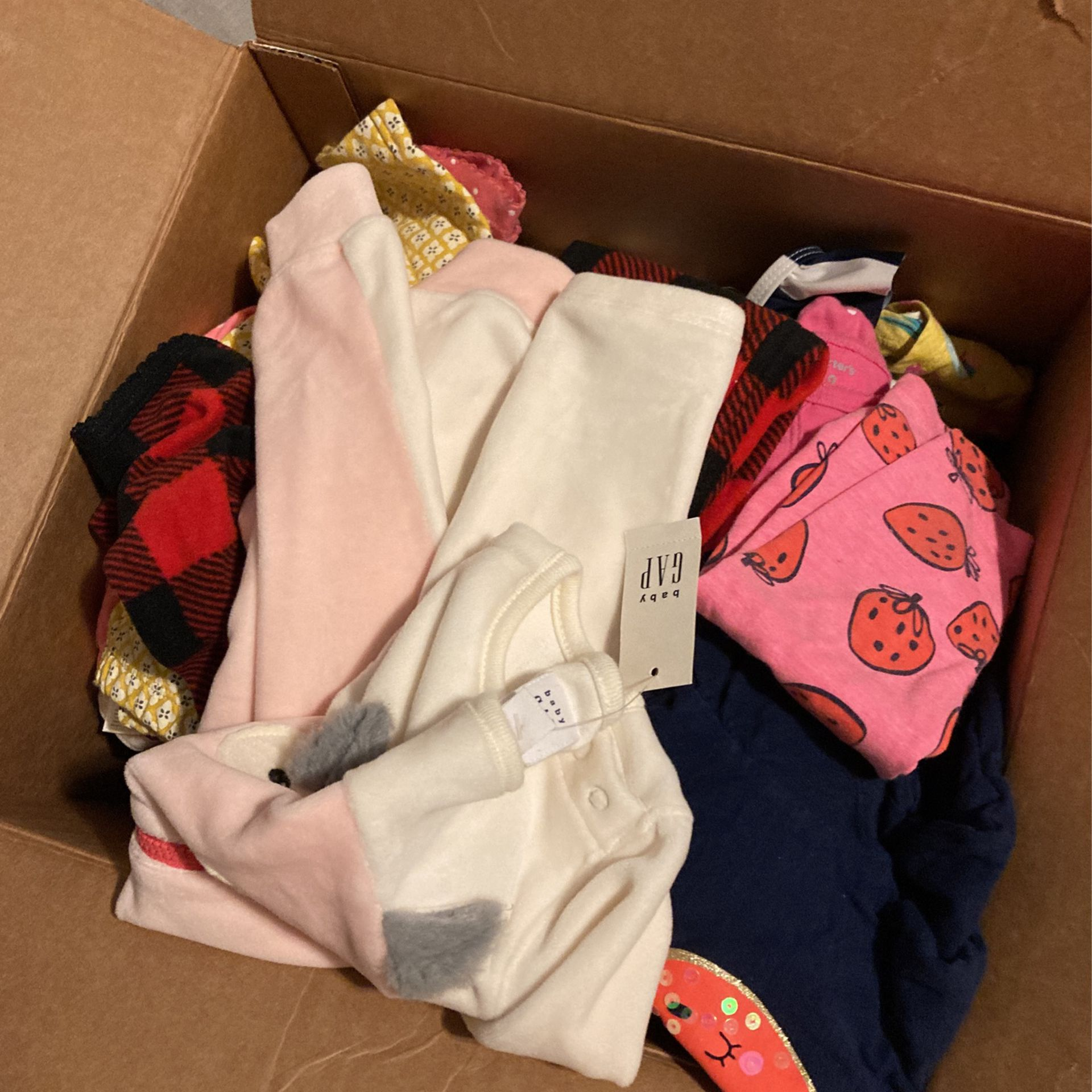 Baby Clothes 90 Pieces Some Are New