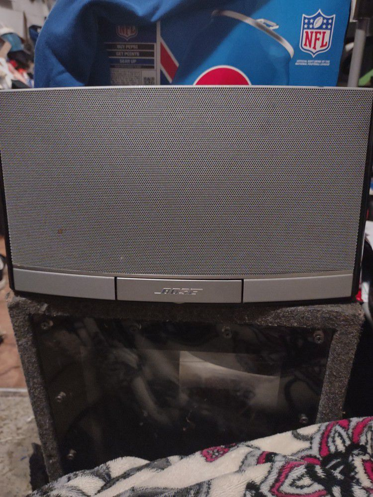 Bose iPod System In Ox's Plug 12x6x4 Sounds Really Good N Loud