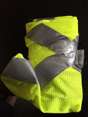 Md size safety vest for Sale in Crofton, MD