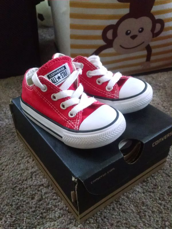 Toddler size 5 Converse tenners. Worn a few months 89b2a02b2