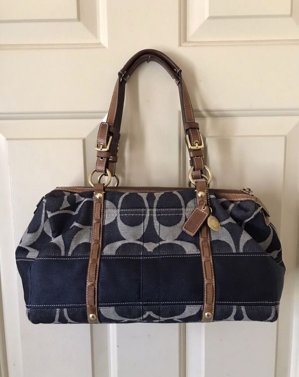 6065b1c118 Authentic Coach Purse for Sale in Del Mar, CA - OfferUp