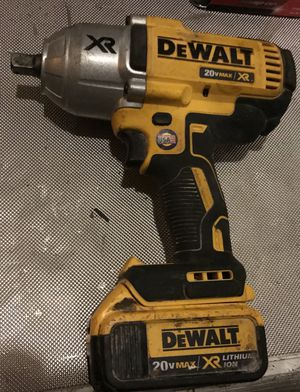 Dewalt 1/2 inch impact driver with larger battery and charger for Sale in Silver Spring, MD