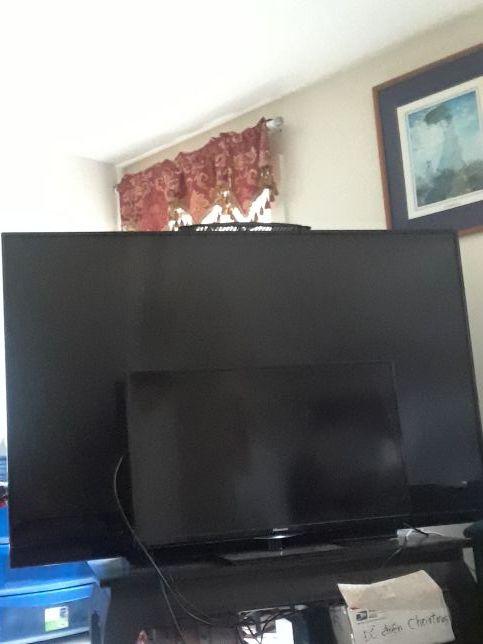 80 inch Mitsubishi Tv. (TVs) in Alameda, CA - OfferUp