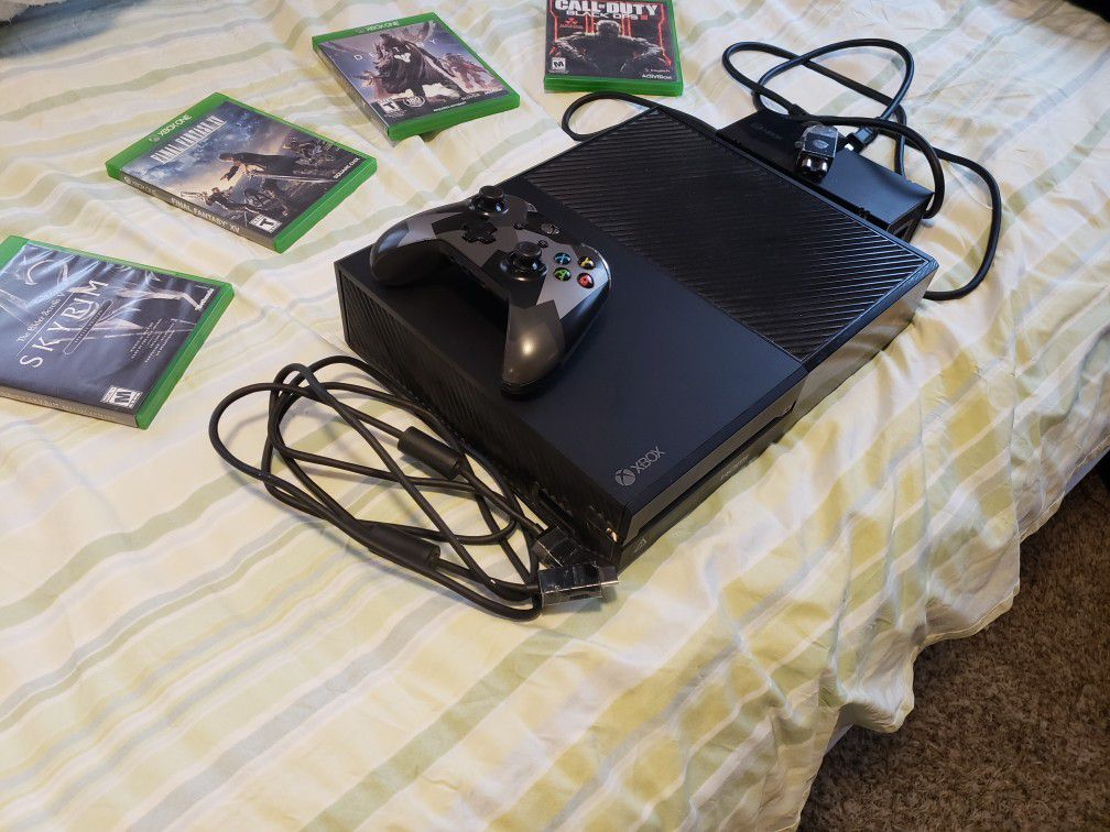 Xbox one +4 games and 1 controller