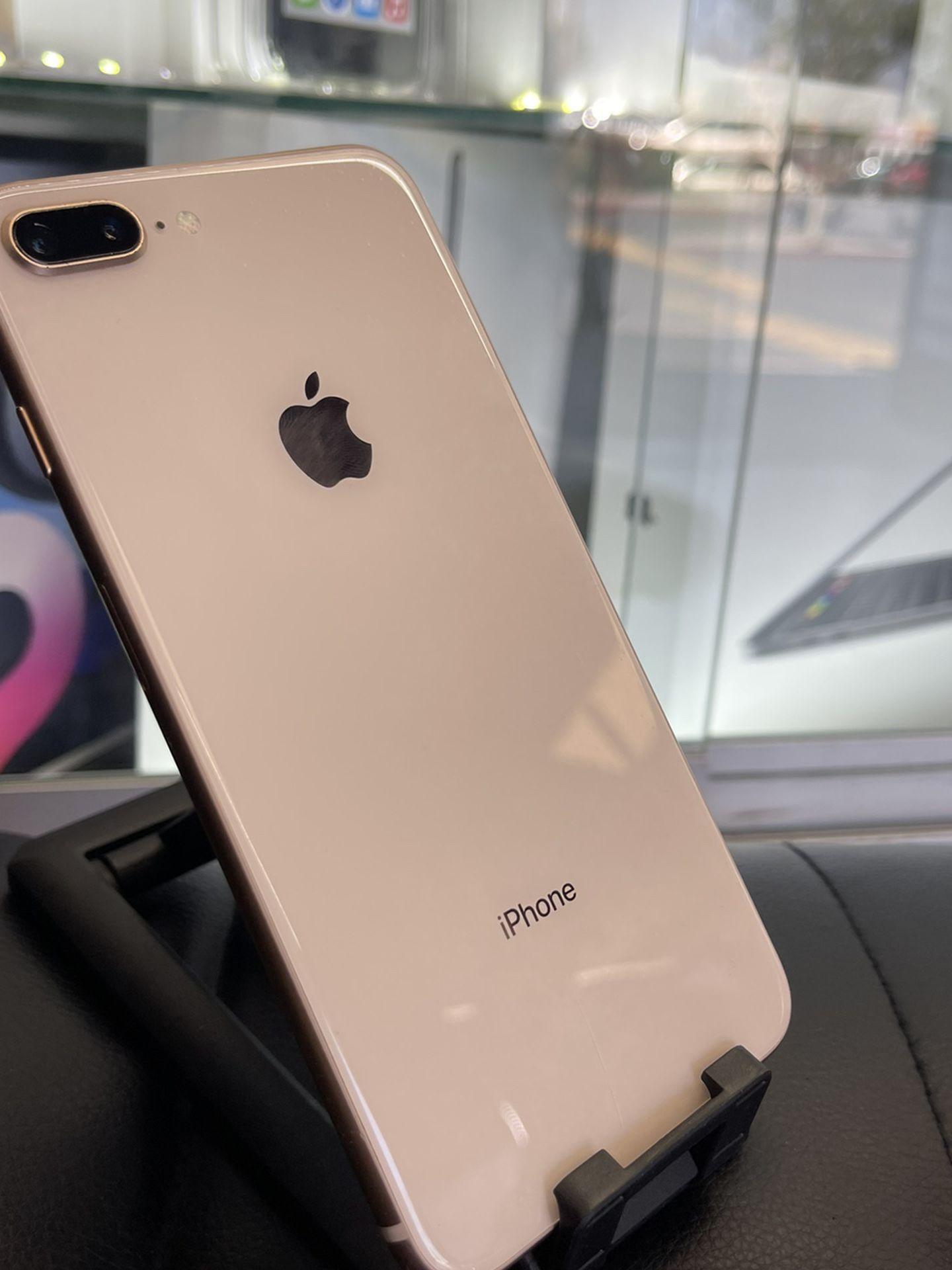 iPhone 8 Plus (UNLOCKED)