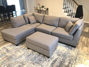 Photo Grey Sectional Sofa Couch with Ottoman