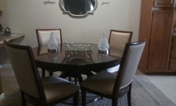 Beautiful highend dining table with 4 chairs for Sale in Roseville ...