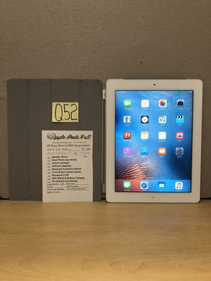 Q52 - iPad 2 32GB Cell-VZ for Sale in Los Angeles, CA