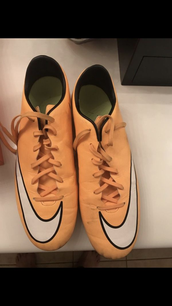 2f477141d47a    Mens Nike Mercurial Victory Cleats size 11  20 OBO    for Sale in Elk  Grove