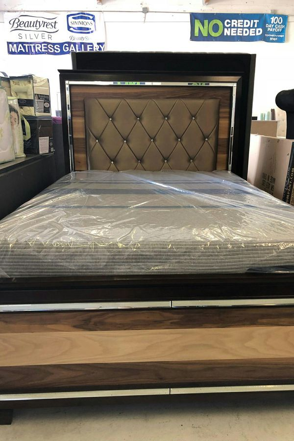 Queen Bed frame for Sale in Las Vegas, NV - OfferUp