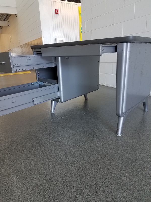 Ase All Steel Equipment Tanker Desk Free Delivery For In Chicago Il Offerup