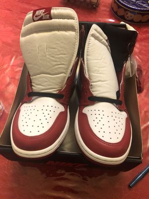 Jordan 1 Chicago ds size 10.5 for Sale in Los Angeles, CA