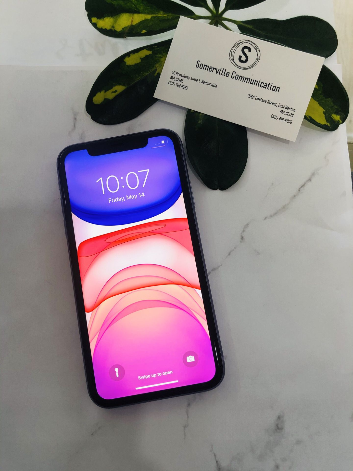 Factory unlocked iPhone 11 64gb excellent conditions store warranty