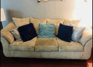 Couch and love seat for Sale in Silver Spring, MD