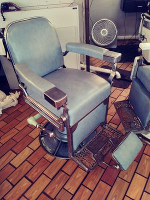 Barber chair for Sale in Hyattsville, MD