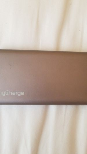 Charging bank 3000 MaH for Sale in Charlotte, NC