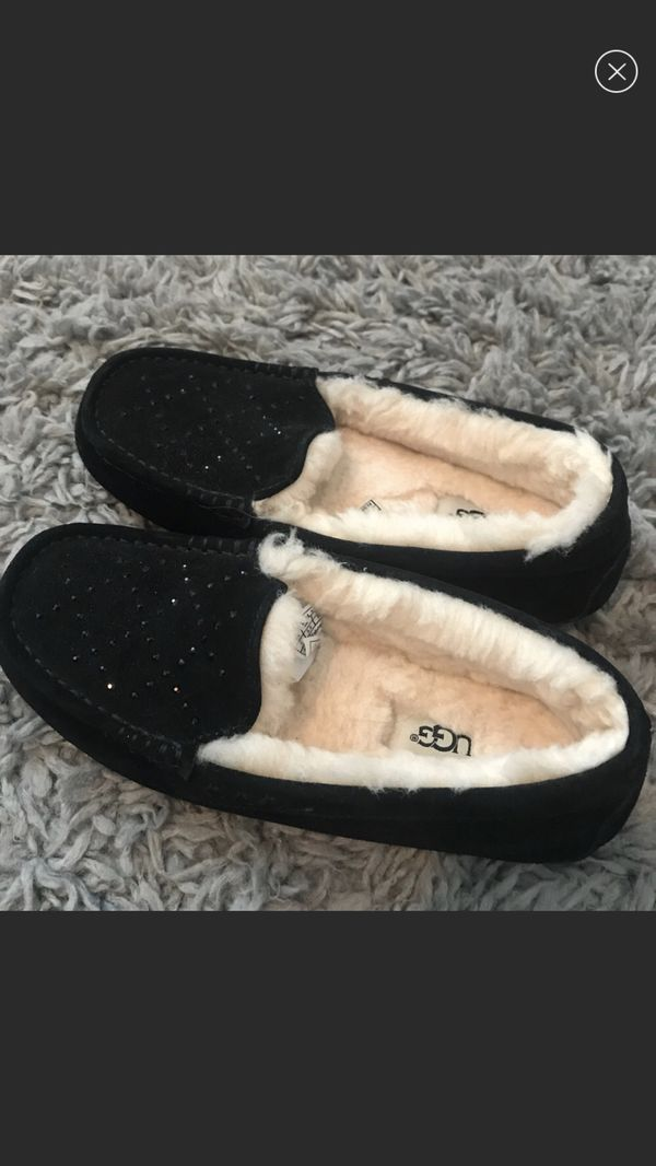 f4da157b835 Brand New Ugg Moccasin slippers for Sale in Visalia, CA - OfferUp