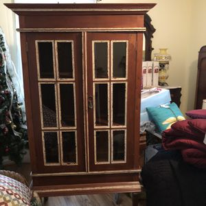 Two very nice solid cabinets ! for Sale in Lovettsville, VA