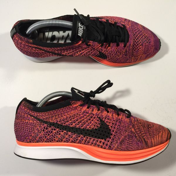 95077700b02d7 Nike flyknit racer berry mens size 9.5 for Sale in Chula Vista