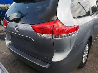 2011 Toyota Sienna Thumbnail