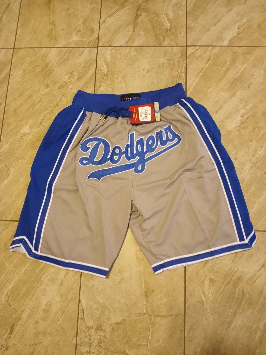 Los Angeles Dodgers Shorts Size: MEDIUM-2XL