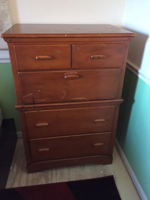 Vintage Wood Dresser with 4 Drawers and Middle Cubby Area for Sale in Chantilly, VA