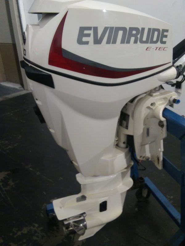 2016 Evinrude 30 Hp etec 20in shaft power tilt and electric start for Sale  in Pompano Beach, FL - OfferUp