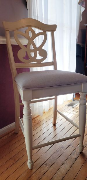 White Chair for Sale in Woodbridge, VA