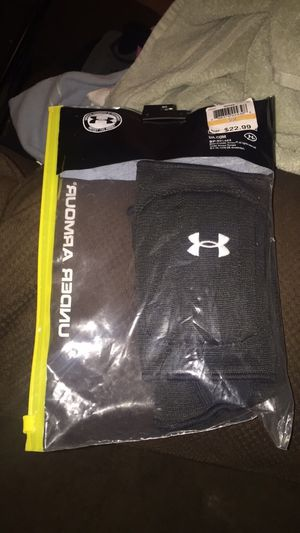 Under Armour knee pads for Sale in Orlando, FL