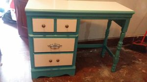 Antique desk for Sale in Cleveland, OH