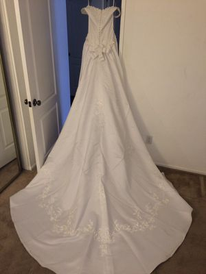 Size 6 - Women's White Wedding Dress for Sale in Portland, OR