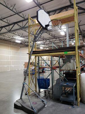 Basketball hoop for Sale in Wilsonville, OR
