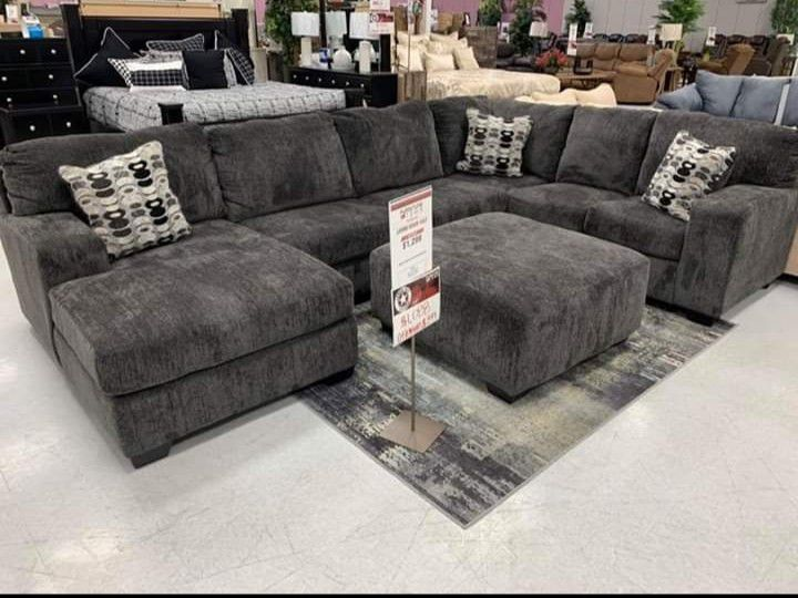 🚩SAME DAY DELIVERY🏁New Ashley Oversized Sectional.》39 Down Payment