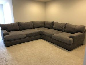 Photo Can Deliver Gray Rooms to Go Cindy Crawford Sectional Like new