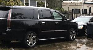 Cadillac Escalade ESV 2015 tire/wheels for Sale in Fort Washington, MD