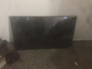 Vizio 55 inch smart TV with remote for Sale in Forest Heights, MD