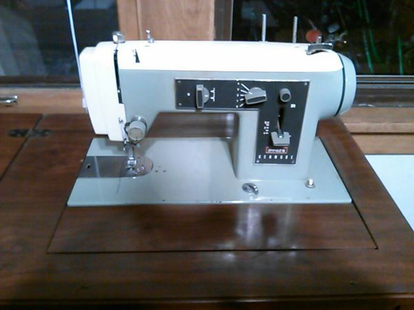 Sears Kenmore Sewing Machine Model 40 Made In The USA For Sale In Enchanting Sears Kenmore 2142 Sewing Machine
