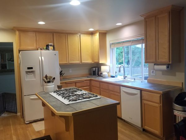 Maple kitchen Cabinets... for Sale in Mill Creek, WA - OfferUp