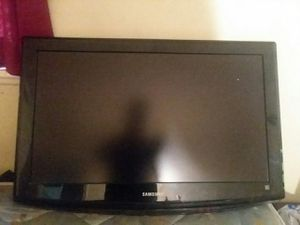 "Samsung 32"" TV wall Mounted for Sale in Washington, DC"