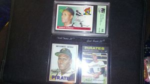 ROBERTO CLEMENTE BUNDLE. for Sale in Cleveland, OH