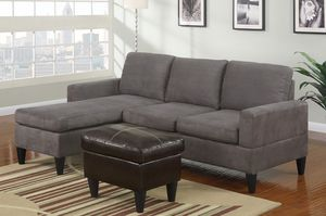 GREY MICROFIBER SECTIONAL (ottoman included) for Sale in Hialeah, FL