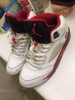 Jordan Retro 5s Size 9 for Sale in Alexandria, VA